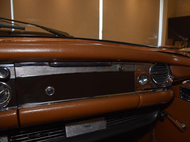 「メルセデスベンツ」「SLクラス」「オープンカー」「神奈川県」の中古車37