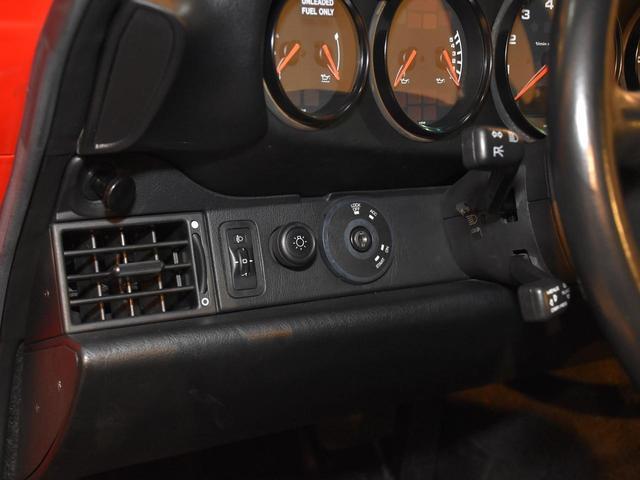 911カレラ 実走行3.2万キロ 整備記録簿11枚 ディーラー車 ミツワものステッカーあり サンルーフ ガーズレッド ブラックレザー ティプトロニック フルオリジナル 修復歴無し 取説 記録簿 スペアキー 業販可能(40枚目)