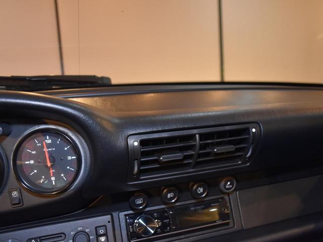 911カレラ 実走行3.2万キロ 整備記録簿11枚 ディーラー車 ミツワものステッカーあり サンルーフ ガーズレッド ブラックレザー ティプトロニック フルオリジナル 修復歴無し 取説 記録簿 スペアキー 業販可能(41枚目)