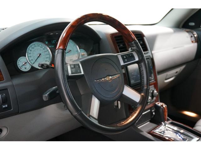 クライスラー クライスラー 300C 5.7HEMI ディーラー車 1オーナー 社外22インチAW