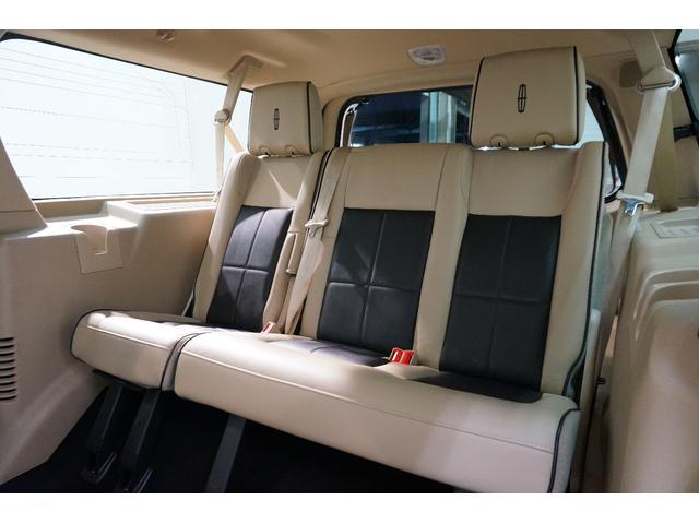 「リンカーン」「リンカーン ナビゲーター」「SUV・クロカン」「東京都」の中古車31