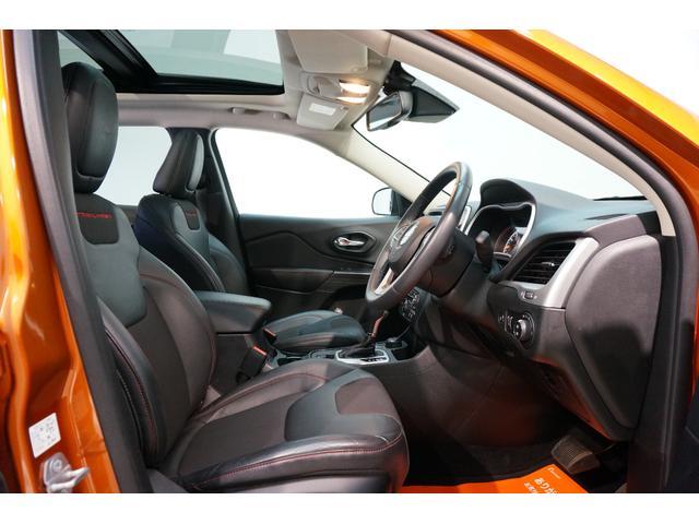 「その他」「クライスラージープ チェロキー」「SUV・クロカン」「東京都」の中古車25