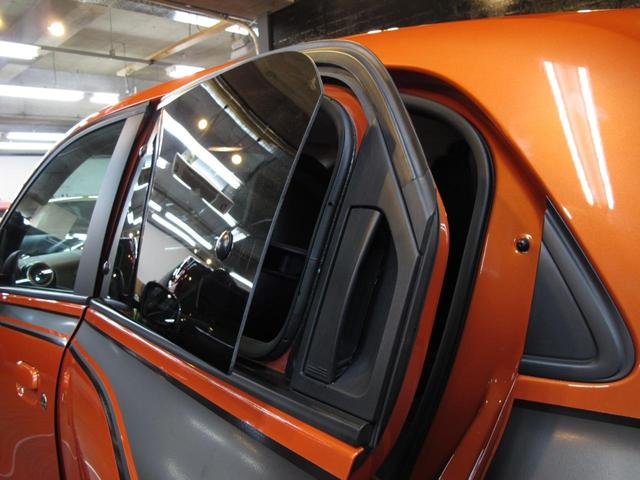 GT 5MT 禁煙車 LEDポジションランプ スマホクレードル Bluetooth Pivotタコメーター USB AUX アイドリングストップ クルコン リアスポイラー キーレス 盗難防止装置(32枚目)