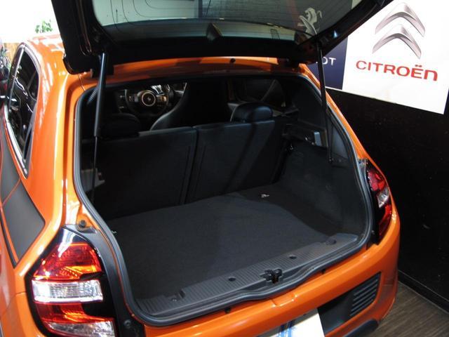 GT 5MT 禁煙車 LEDポジションランプ スマホクレードル Bluetooth Pivotタコメーター USB AUX アイドリングストップ クルコン リアスポイラー キーレス 盗難防止装置(51枚目)