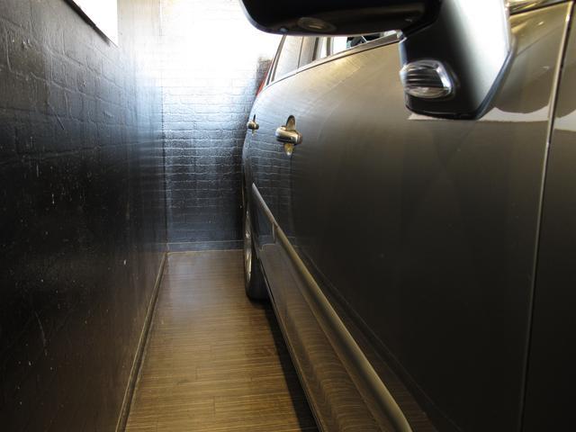 1.6Tエクスクルーシブ 正規ディーラー車 3列シート7人乗り 後期フェイス 後期EGS スーパーパノラミックフロントウインドウ パノラミックガラスルーフ HIDライト LEDポジションランプ(12枚目)