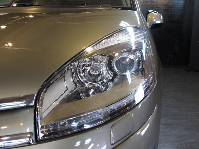 1.6Tエクスクルーシブ 正規ディーラー車 3列シート7人乗り 後期フェイス 後期EGS スーパーパノラミックフロントウインドウ パノラミックガラスルーフ HIDライト LEDポジションランプ(72枚目)