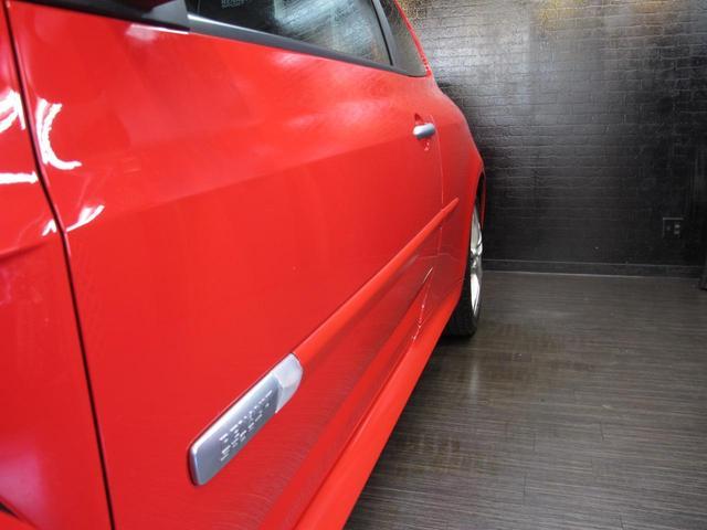 ルノースポール 2L自然吸気エンジン 6速MT ブレンボブレーキキャリパー 純正17インチAW 禁煙車 純正オーディオ 202ps 402cm・177cm・149cm(15枚目)