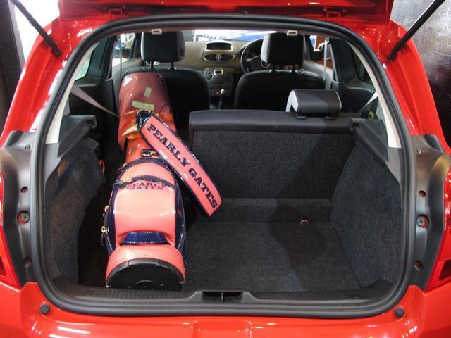 ルノースポール 2L自然吸気エンジン 6速MT ブレンボブレーキキャリパー 純正17インチAW 禁煙車 純正オーディオ 202ps 402cm・177cm・149cm(26枚目)