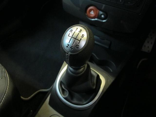 ルノースポール 2L自然吸気エンジン 6速MT ブレンボブレーキキャリパー 純正17インチAW 禁煙車 純正オーディオ 202ps 402cm・177cm・149cm(31枚目)