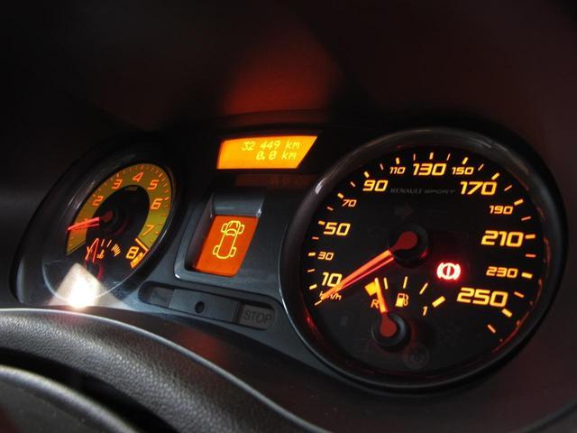 ルノースポール 2L自然吸気エンジン 6速MT ブレンボブレーキキャリパー 純正17インチAW 禁煙車 純正オーディオ 202ps 402cm・177cm・149cm(36枚目)