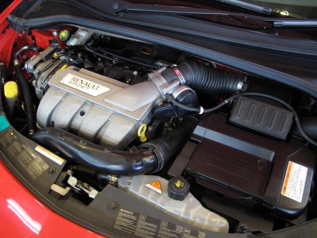 ルノースポール 2L自然吸気エンジン 6速MT ブレンボブレーキキャリパー 純正17インチAW 禁煙車 純正オーディオ 202ps 402cm・177cm・149cm(45枚目)