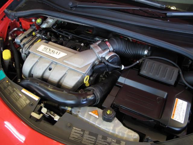 ルノースポール 2L自然吸気エンジン 6速MT ブレンボブレーキキャリパー 純正17インチAW 禁煙車 純正オーディオ 202ps 402cm・177cm・149cm(80枚目)