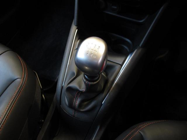 GTi 6速MT ターボ 200HP アイドリングストップ フルセグTV Bluetooth USB ハーフレザーシート バックソナー ETC クルーズコントロール 純正17インチAW キーレス HID(29枚目)
