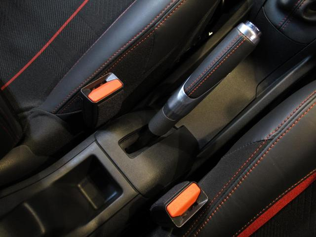 GTi 6速MT ターボ 200HP アイドリングストップ フルセグTV Bluetooth USB ハーフレザーシート バックソナー ETC クルーズコントロール 純正17インチAW キーレス HID(30枚目)