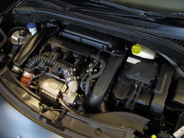 レーシングマットゴールド 国内20台限定車 ワンオーナー 1.6Lターボ 6速MT 207馬力 専用シート 専用ボディデカール 専用インテリアパネル レッドキャリパー カーボンパネル HiFiオーディオ 専用18インチAW(60枚目)