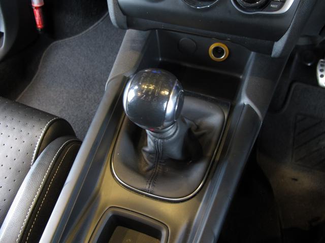 スポーツシック 6速MT ターボエンジン ディレクショナルヘッドライト 黒レザーシート  シートヒーター ブラインドスポットモニター 前後ソナー クルーズコントロール ワンセグTV ETC キーレス USB  HID(27枚目)