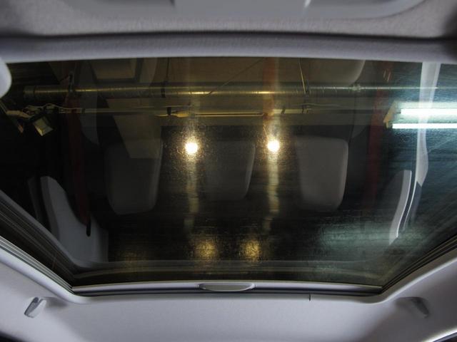 ロラン ギャロス 国内100台限定車 専用レザーシート シートヒーター 純正ナビTV バックカメラ  禁煙車 ガラスルーフ  Bluetooth 専用刺繍インテリア バックソナー パドル付セミAT 純正16インチAW(39枚目)