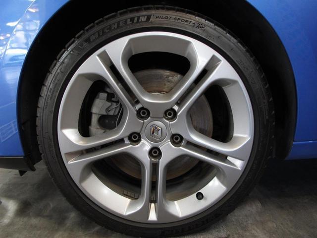 GT 220 6速MT 2Lターボ 禁煙車 ハーフレザーシート クルーズコントロール ミラー型ドライブレコーダー Bluetooth ETC USB AUX キーレス 専用純正18インチAW(27枚目)