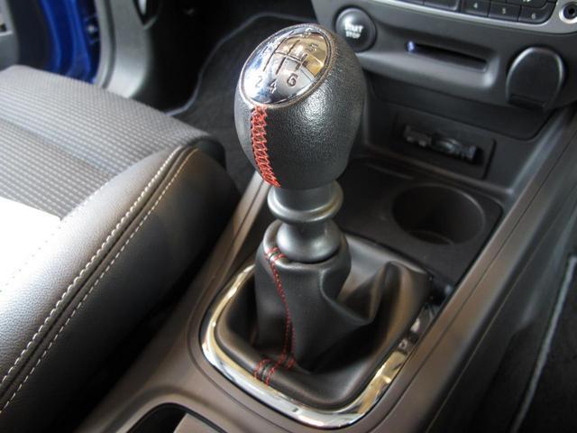 GT 220 6速MT 2Lターボ 禁煙車 ハーフレザーシート クルーズコントロール ミラー型ドライブレコーダー Bluetooth ETC USB AUX キーレス 専用純正18インチAW(73枚目)