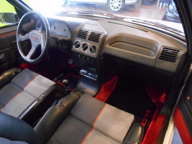 プジョー プジョー 205 GTI 左ハンドル 5MT ハーフレザーシート サンルーフ