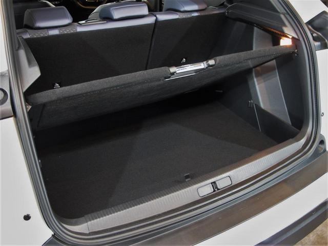 「プジョー」「e-2008」「SUV・クロカン」「神奈川県」の中古車42