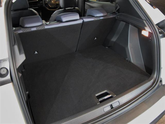 「プジョー」「e-2008」「SUV・クロカン」「神奈川県」の中古車43