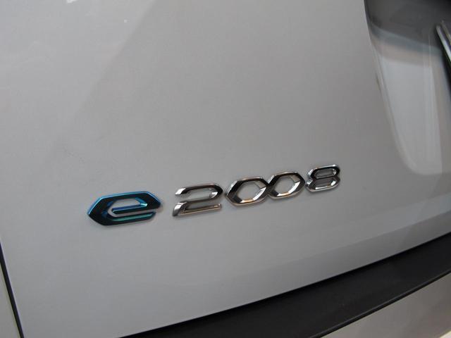「プジョー」「e-2008」「SUV・クロカン」「神奈川県」の中古車73