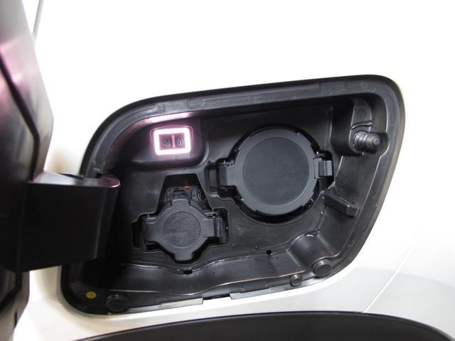 「プジョー」「e-2008」「SUV・クロカン」「神奈川県」の中古車75