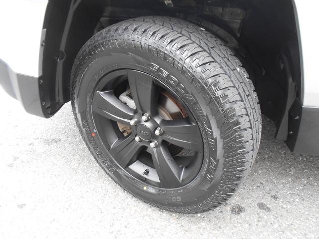 タイヤは新品ジオランダーAT!ホイルは純正ブラック加工です!
