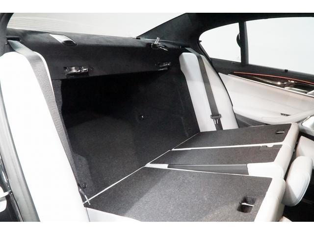 M5 4WD コンフォートP B&Wilkins 新車保証付(15枚目)