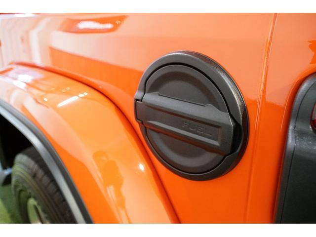 サハラ スカイワンタッチパワートップ 限定300台モデル 100台限定カラー パンプキンメタ 純正ナビTV バックカメラ サハラ専用装備 ブラックレザー シートヒーター コマンドトラック 4WD ワンオーナー 新車保証付 ディーラー車(39枚目)