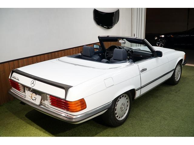 「メルセデスベンツ」「SLクラス」「オープンカー」「東京都」の中古車16