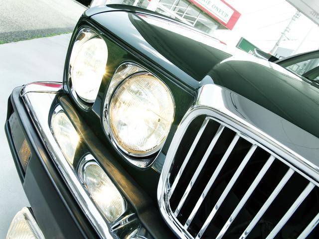 XJ6-4.0スポーツ XJ40限定車 フルノーマル 4.0リッター直6DOHC 純正16インチラティスアルミ レッド&シルバーコーチライン レッドテールレンズ イングリッシュツイード&レザーインテリア(13枚目)