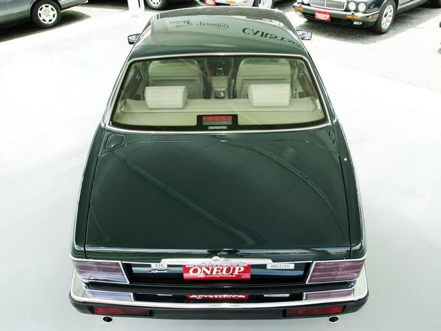 XJ6-4.0スポーツ XJ40限定車 フルノーマル 4.0リッター直6DOHC 純正16インチラティスアルミ レッド&シルバーコーチライン レッドテールレンズ イングリッシュツイード&レザーインテリア(18枚目)