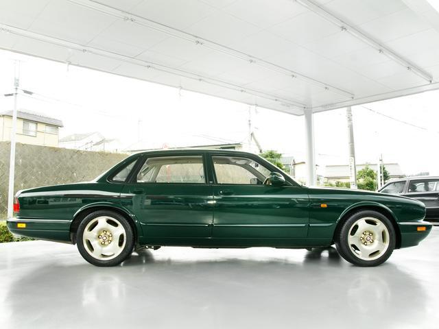 XJR 4.0スーパーチャージド 50台限定車アニバーサリー(7枚目)