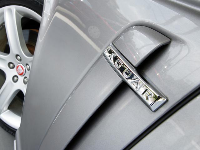 XJ 4.2ソブリン X358最終型2008MY・ソブリングレード・4.2スーパーチャージド406PS・20インチAW・ウッドステア・ソフトグレインレザー・シートエアコン・純正ナビ・地デジ・リアリクライニングシート(29枚目)