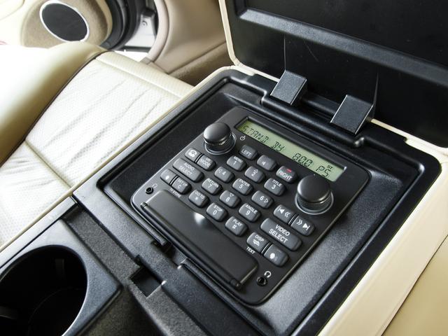 XJ 4.2ソブリン X358最終型2008MY・ソブリングレード・4.2スーパーチャージド406PS・20インチAW・ウッドステア・ソフトグレインレザー・シートエアコン・純正ナビ・地デジ・リアリクライニングシート(49枚目)