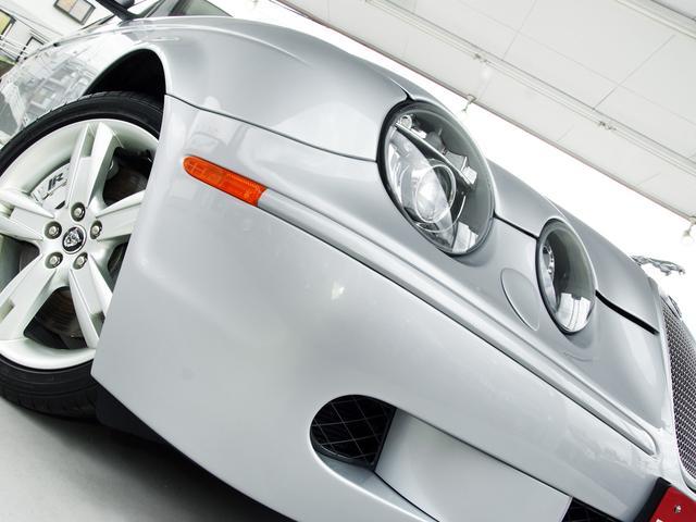 R 2007MY・後期最終『R』モデル・法人ワンオーナー・4.2スーパーチャージド(406PS)・専用インテリア・ブラック&ホワイトコンビ ソフトグレインスポーツレザーシート・カロッツェリアナビ・地デジ(8枚目)