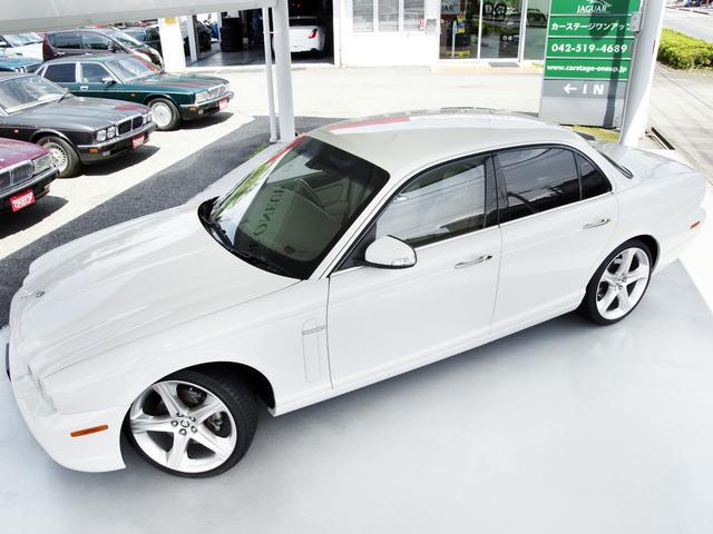 XJ 3.0ラグジュアリーリミテッド X358最終モデル・国内30台限定車・2オーナー・純正20インチ(Takoba)HID・クリアランスソナー・アメリカンカールウッド・ソフトグレインレザー・シートエアコン&ヒーター・16ウェイ電動シート(2枚目)