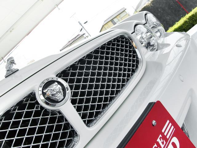 XJ 3.0ラグジュアリーリミテッド X358最終モデル・国内30台限定車・2オーナー・純正20インチ(Takoba)HID・クリアランスソナー・アメリカンカールウッド・ソフトグレインレザー・シートエアコン&ヒーター・16ウェイ電動シート(11枚目)