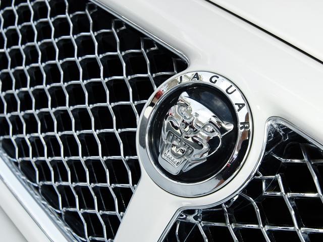 XJ 3.0ラグジュアリーリミテッド X358最終モデル・国内30台限定車・2オーナー・純正20インチ(Takoba)HID・クリアランスソナー・アメリカンカールウッド・ソフトグレインレザー・シートエアコン&ヒーター・16ウェイ電動シート(13枚目)