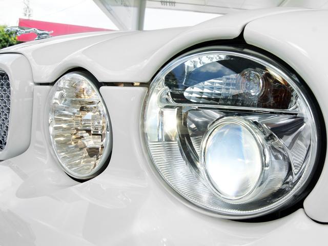 XJ 3.0ラグジュアリーリミテッド X358最終モデル・国内30台限定車・2オーナー・純正20インチ(Takoba)HID・クリアランスソナー・アメリカンカールウッド・ソフトグレインレザー・シートエアコン&ヒーター・16ウェイ電動シート(17枚目)