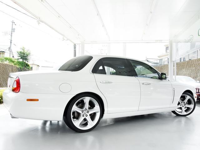 XJ 3.0ラグジュアリーリミテッド X358最終モデル・国内30台限定車・2オーナー・純正20インチ(Takoba)HID・クリアランスソナー・アメリカンカールウッド・ソフトグレインレザー・シートエアコン&ヒーター・16ウェイ電動シート(20枚目)
