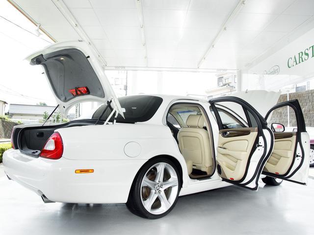 XJ 3.0ラグジュアリーリミテッド X358最終モデル・国内30台限定車・2オーナー・純正20インチ(Takoba)HID・クリアランスソナー・アメリカンカールウッド・ソフトグレインレザー・シートエアコン&ヒーター・16ウェイ電動シート(32枚目)
