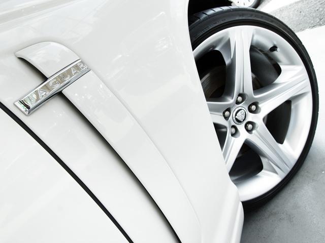 XJ 3.0ラグジュアリーリミテッド X358最終モデル・国内30台限定車・2オーナー・純正20インチ(Takoba)HID・クリアランスソナー・アメリカンカールウッド・ソフトグレインレザー・シートエアコン&ヒーター・16ウェイ電動シート(34枚目)
