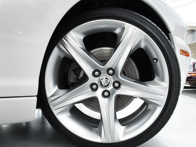 XJ 3.0ラグジュアリーリミテッド X358最終モデル・国内30台限定車・2オーナー・純正20インチ(Takoba)HID・クリアランスソナー・アメリカンカールウッド・ソフトグレインレザー・シートエアコン&ヒーター・16ウェイ電動シート(36枚目)