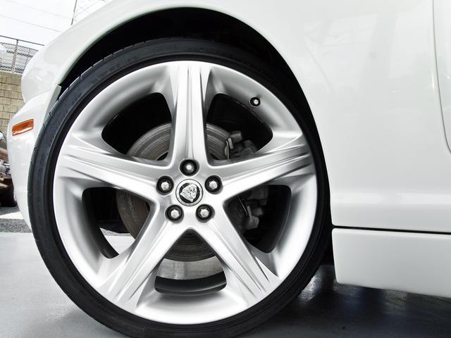 XJ 3.0ラグジュアリーリミテッド X358最終モデル・国内30台限定車・2オーナー・純正20インチ(Takoba)HID・クリアランスソナー・アメリカンカールウッド・ソフトグレインレザー・シートエアコン&ヒーター・16ウェイ電動シート(38枚目)