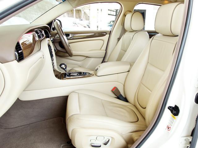 XJ 3.0ラグジュアリーリミテッド X358最終モデル・国内30台限定車・2オーナー・純正20インチ(Takoba)HID・クリアランスソナー・アメリカンカールウッド・ソフトグレインレザー・シートエアコン&ヒーター・16ウェイ電動シート(46枚目)