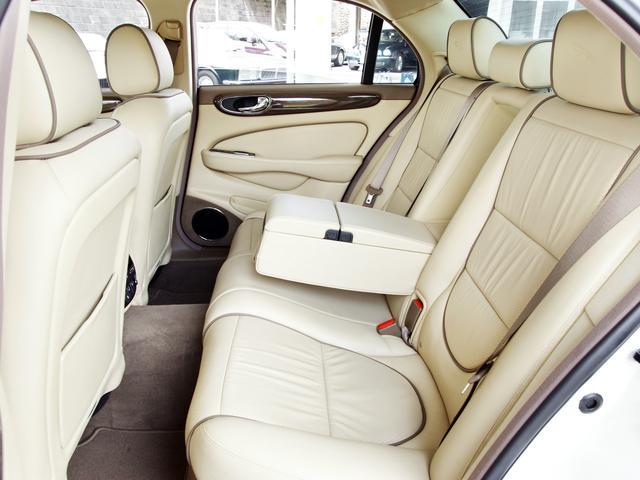 XJ 3.0ラグジュアリーリミテッド X358最終モデル・国内30台限定車・2オーナー・純正20インチ(Takoba)HID・クリアランスソナー・アメリカンカールウッド・ソフトグレインレザー・シートエアコン&ヒーター・16ウェイ電動シート(56枚目)