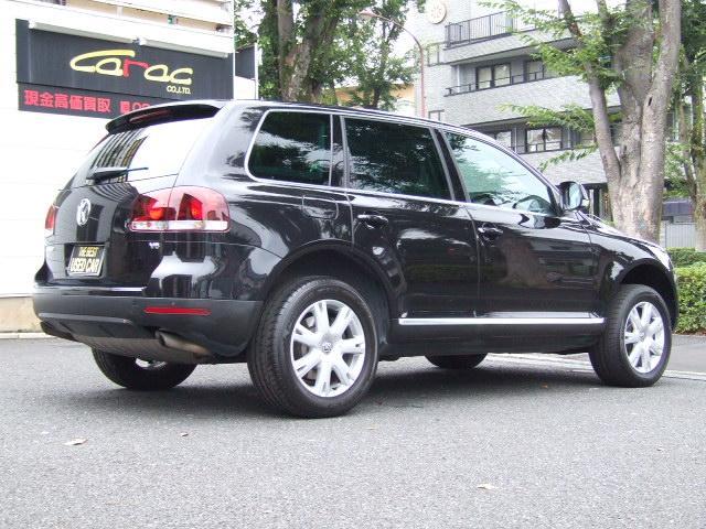 フォルクスワーゲン VW トゥアレグ V6CDCエアサスペンション4WD黒本革TVナビBSカメラ